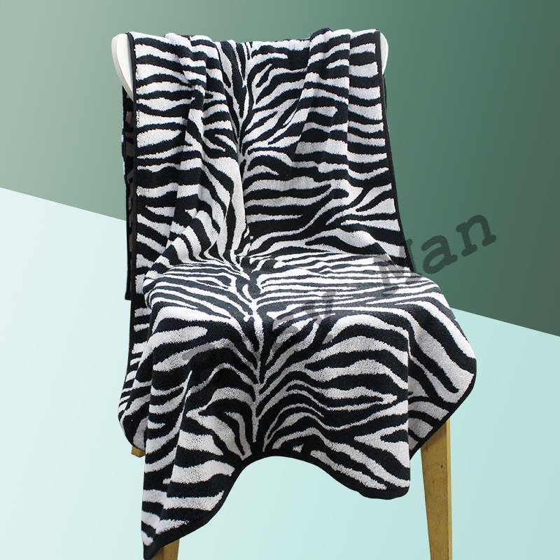 全棉数码印花定制色彩图案提花浴巾
