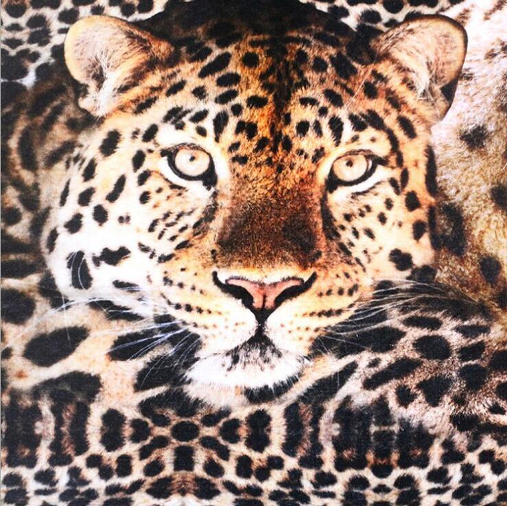 工厂生产豹纹吸水个性化定制高清棉质数码印花浴巾