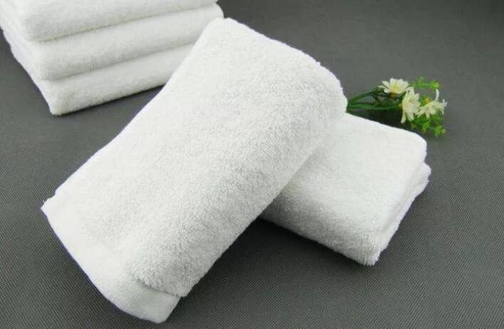 这些毛巾不合格,家里有的要去掉了